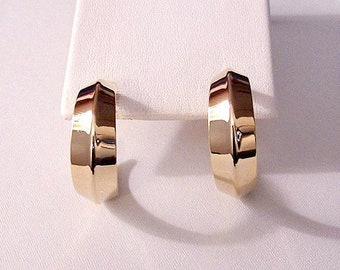 Wide Fold Band Hoops Pierced Post Stud Earrings Gold Tone Vintage Large Polished Reflective Crimped Center Seam Graduated Open End Dangles
