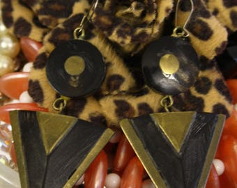 Art deco style vintage triangular shaped droplet wooden earrings, retro