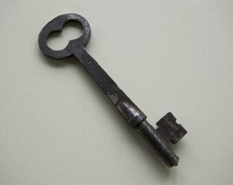 Vintage Flat Skeleton Key