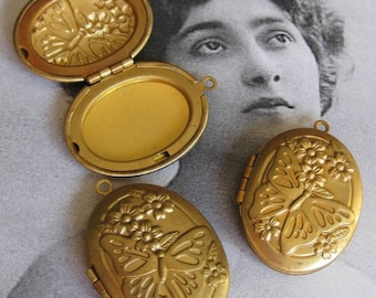 1 PC Art Nouveau Butterfly and Flowers Brass Locket