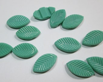 16 Glass Green Leave Cabochons