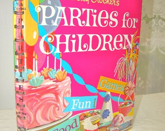 Vintage Betty Crocker. Kids Party Game Book. Cake Making. 1960s. Children. Illustrated. Colorful, Charming.