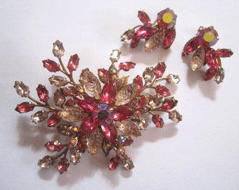 Vintage Enormous Pink Crystal Floral Goldtone Brooch with Clip-on Earrings