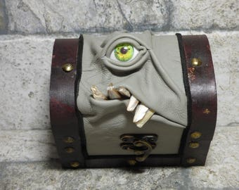 Mimic Monster Trinket Storage Stash Dice Box Dungeons And Dragons Magic The Gathering Desk Organizer Dice RPG Gray Leather Harry Potter 246