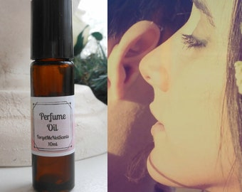 All Natural Perfume Oil, Romantic Fragrance, Romantic Whisper Perfume Scent, Roll On Perfume, Bath and Body Works, Floral Fragrance