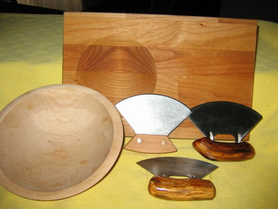 30. Ulu Knife with Cutting Board and Chopping Bowl