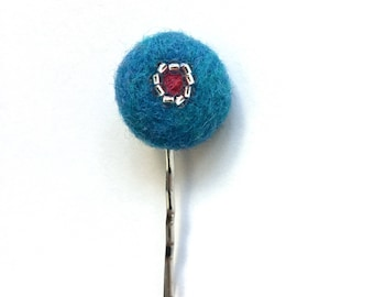 Bead and felt button hair clip in turquoise