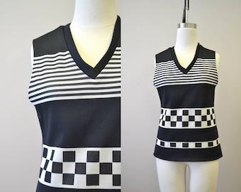 1970s Black and White V-Neck Shirt