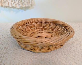 Round Woven Basket / Short and Sturdy Round Wicker Basket