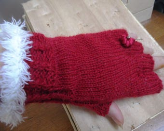 Mittens, Christmas red and white