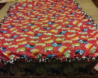 Cats and dogs fleece tie blanket