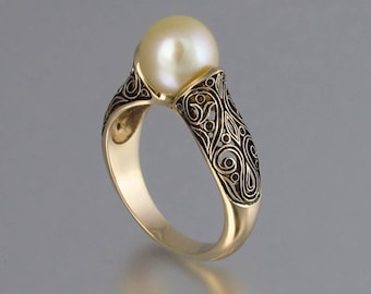 The ENCHANTED 14K yellow gold ring with Golden Sea Pearl
