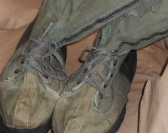 Now 20% off VINTAGE MILITARY BOOTS, Knee High, Canvas, wool liners, laces, zippers, drab olive, funky chic