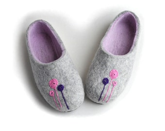 Handmade wool felted slippers with rubber soles- house shoes - grey  pink