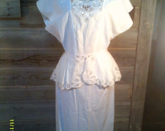 Woman's Vintage White Cotton Skirt Set, size Med. (8 to 10), Made in USA by Dragon Fly, Summer Skirt Set, White Skirt Set 10, Skirt and Top