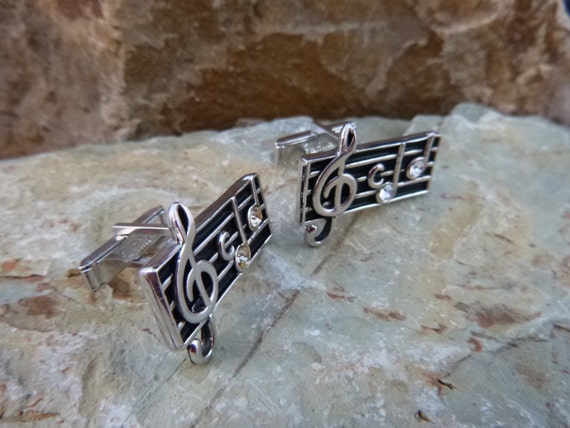 Love music? Swank Treble Clef Music Themed Vintage Cuff Links Musician Cufflinks