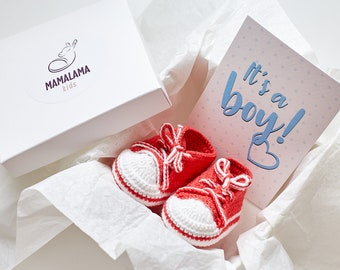 Pregnancy gift box Crochet baby boy sneakers booties new mom present for mom to be Expecting mum New parents favor basket Newborn shoes gift