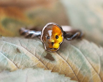 SALE! Memento Mori Amber, tiny carved honey amber and  copper skull ring, victorian revival vanitas ring, twisted ringband, patina, yellow