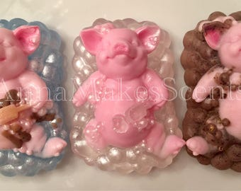 Piggy Soap. Pig gift. Christmas stocking stuffer. Oink. Farmhouse decor. Kids gift. Gift for her. Wife gift. Pig lover. Birthday gift. Grand