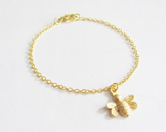 Small Gold Bee Bridesmaid Bracelet, Bee Bracelet, Thin Bracelet, Dainty Bracelet, Gold Bee Bracelet, Bridesmaid Bracelet