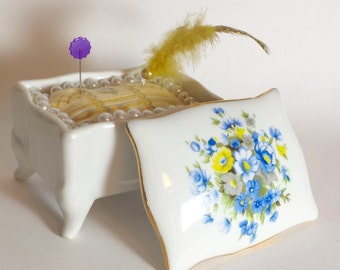 Blue and Yellow Bouquet pin cushion box item # cpc03