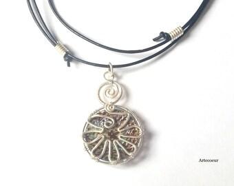 Collier pendentif minimaliste Abalone naturelle motif fleur wire wrapping fil enroulé cordon cuir réglable cadeau de pour elle