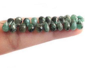 Tiny Emerald Briolettes, MINI STRAND 4.85 x 3.78 - 6.32 x 4 mm, Organic Looking Emeralds, May Birthstone, Natural Emeralds, Faceted Emeralds