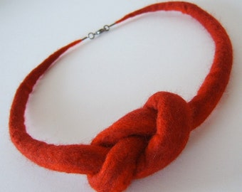 Infinity style necklace - red felted