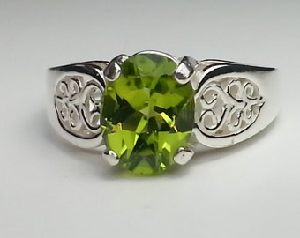 Natural Peridot Sterling Silver Ring 1.89 ct.  Size 7