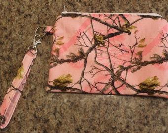 Pink camo zippered wristlet/clutch