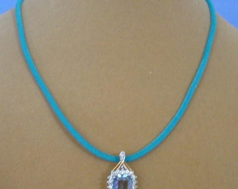 """Gorgeous 18"""" Blue and White CZ Pendant Necklace - N591"""