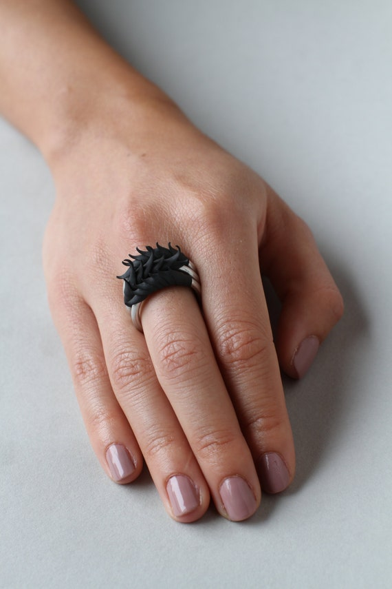 Set of 3 Black Short Multiplume  Rings