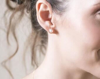 PEARL-Button Pearl Earrings,Pearl Earrings Studs,Copper Pearl studs, Pearl Post Earrings,Small Post Earrings,Gold Stud Earrings,Studs