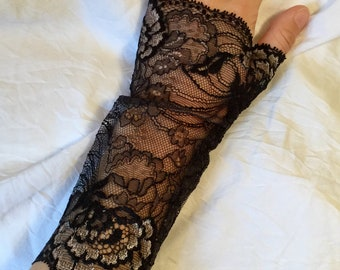 Fine silver gray and Black Lace fingerless gloves