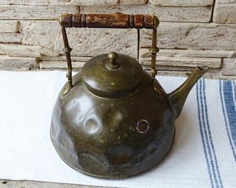 En laiton théière - 2l Vintage bouilloire cuisine Decor Retro Accueil ferme chalet chic théière rustique Antique Tea Pot de collection Vintage