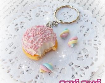 Marshmallow Keychain, Polymer Clay Food Keychain, Pink Keychain, Miniature Food Jewelry, Kawaii Accessory, Kawaii Keychain, Smore's Smores