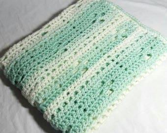 Baby Blanket Size CA 75 X 85.
