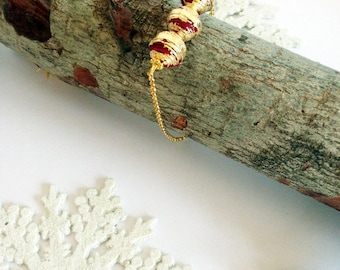 Bracelet with bordeaux and gold quilling paper beads, minimal bracelet, ecojewelry