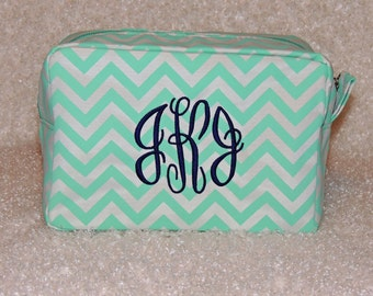 Bridesmaids Gift, Makeup bag, Monogrammed makeup bag,  cosmetic bag, chevron cosmetic bag, Top seller