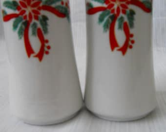 Poinsettia Trimmed Salt and Pepper Shakers - vintage, collectible, Christmas
