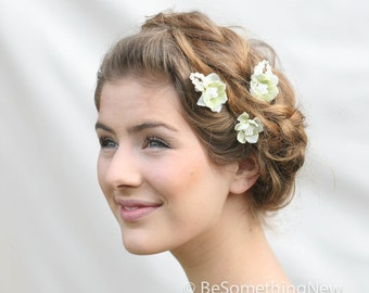 Flower Bobby Pin Set of Three with Vintage Leaves in Soft Green, Wedding Hair Accessory, Bobby Pin Set, Bridesmaids Hair