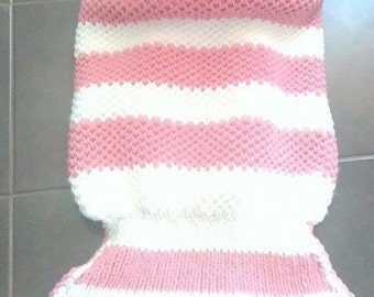 tail pink and white knitted