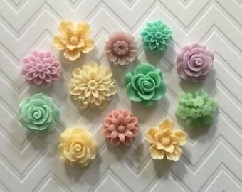 Flower Thumbtacks or Magnets Set of 12 - (#184) dorm decor, hostess gift, weddings, bridal shower, baby shower, gift, teacher gift