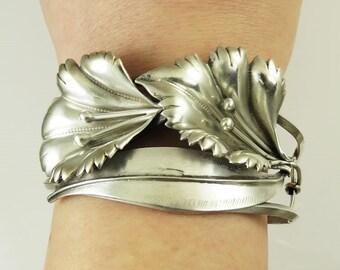 Elegant Sterling Silver Morning Glory Flower Bracelet