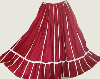 Very loose-fitting civil war crinoline skirt (US civil war)