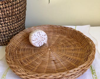 Vintage Set of Four Wicker Paper Plate Holders, Woven Wicker Chargers, Natural, Outdoor Dining