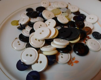 a lot of buttons 60s plastic
