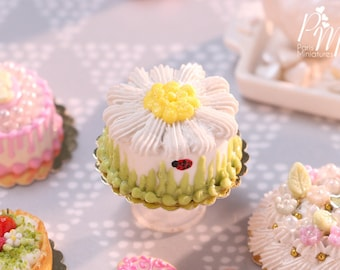 MTO - Daisy Cake with Ladybirds - Miniature Food in 12th Scale for Dollhouse