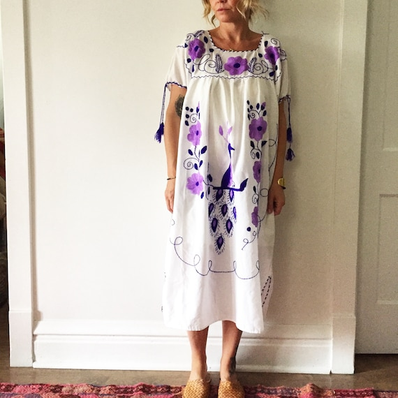 Vintage Embroidered Mexican Dress, Ethnic Tunic Dress
