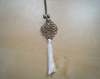 pretty necklace print with white tassel